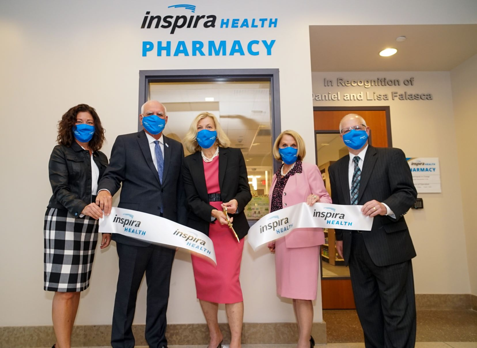 Inspira Employees celebrating the oprning of the Pharmacy Inspira Medical Center Vineland